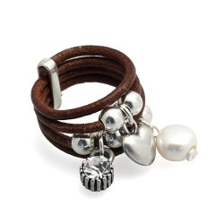 Brown Ibiza | Leather ring with metal charms hanging by MAR BCN
